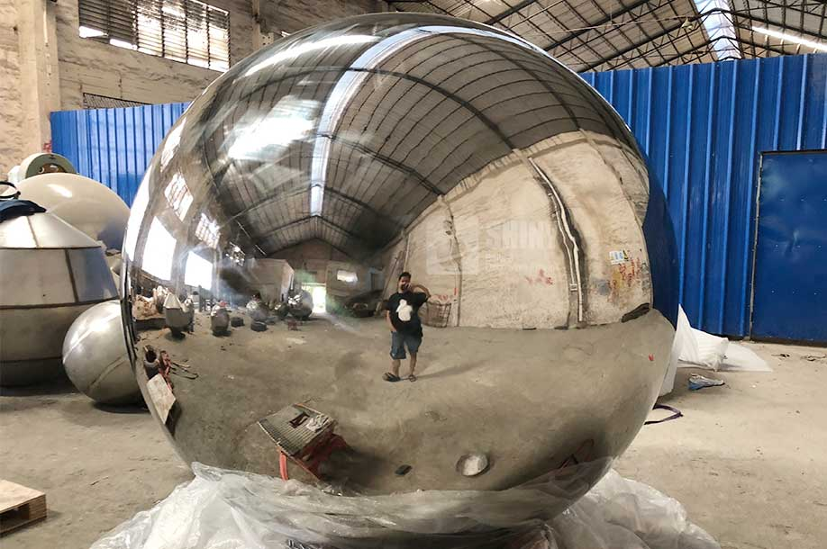 Nice Large Metal Garden Spheres With Mirror Polished